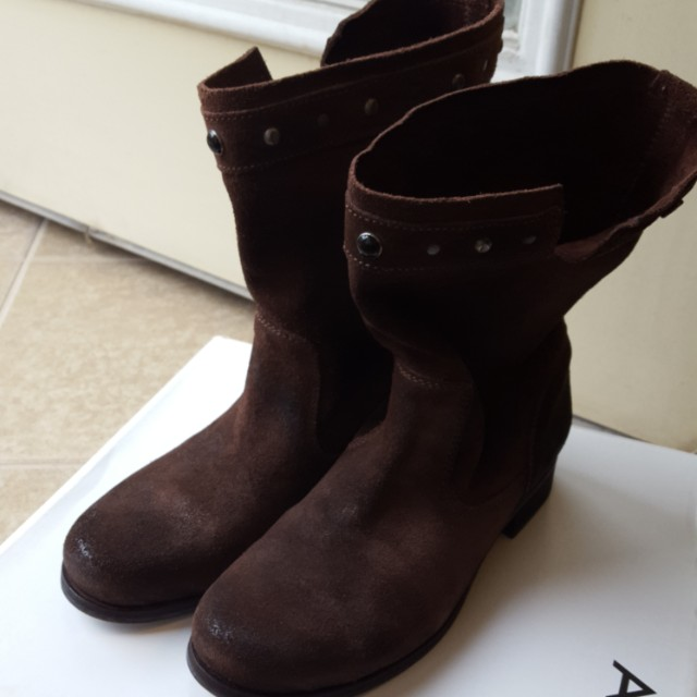 Size 36 Diesel seude boots