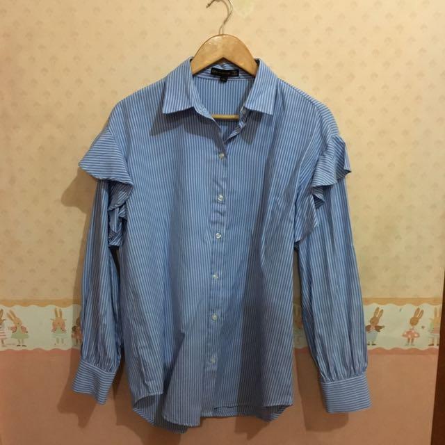 Size M Ruffle Shirt