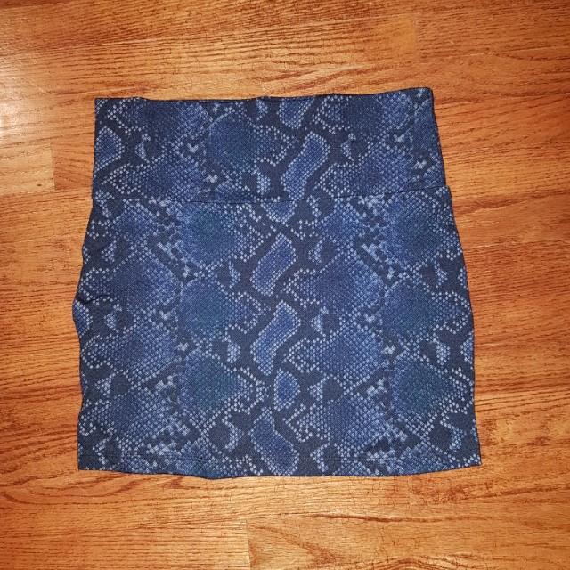 Snake skin pattern skirt