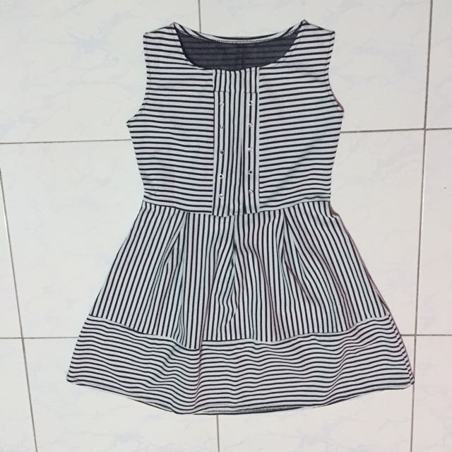 Stripes dress flowy