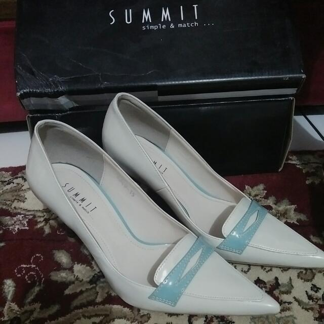 Summit Shoes