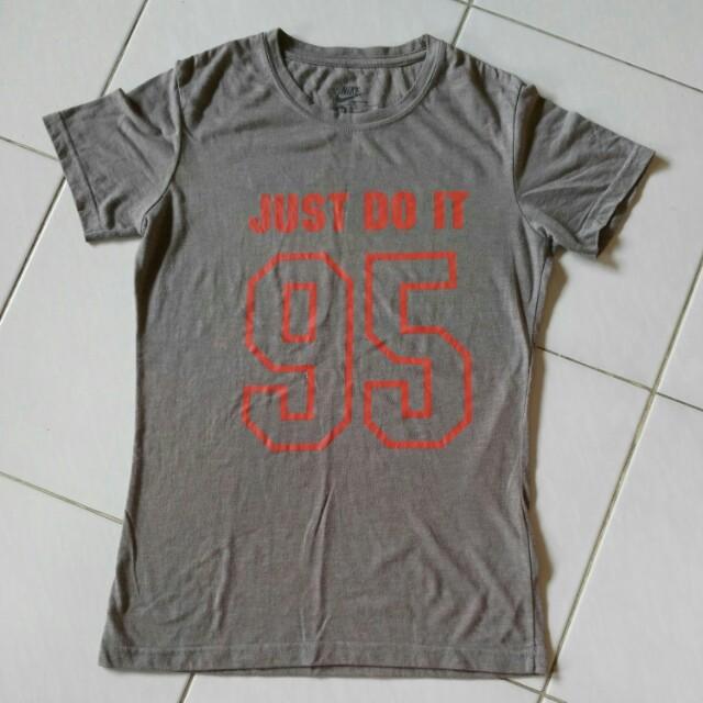 Tshirt Nike abu2