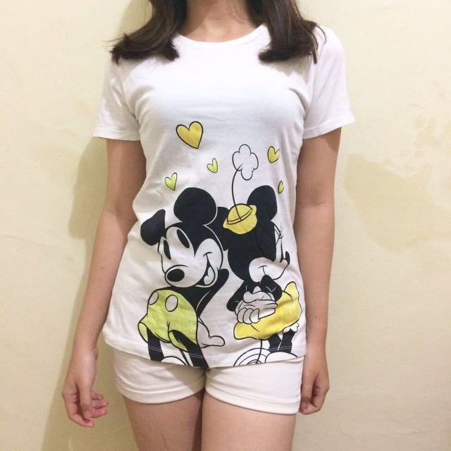 UNIQLO MICKEY TSHIRT