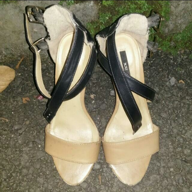 XXI | FOREVER 21 | F21 STRAP HEELS