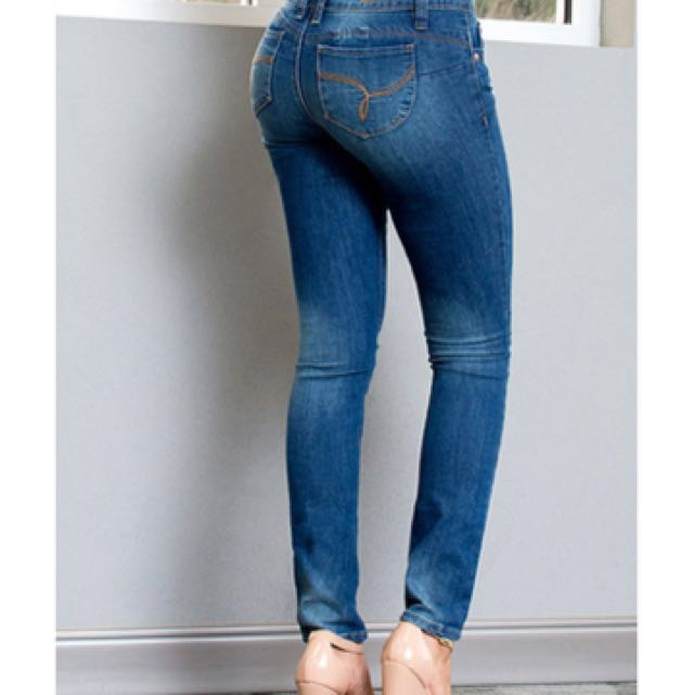 YMI Butt contouring jeans
