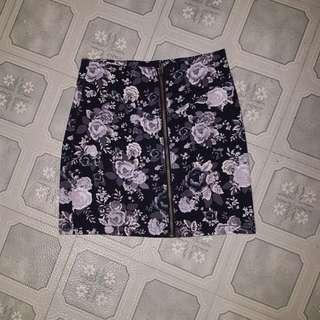 H&M zipper front floral skirt