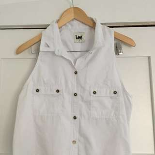 Lee 70's white sleeveless blouse