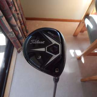 Titleist 915F 3-wood, 16.5*, stiff Diamana Blue graphite