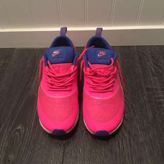 Nike Air Thea's size 8.5