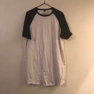TOPMAN BLACK AND WHITE TEE