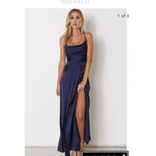 White fox boutique BRAND NEW backless navy blue strappy maxi formal dress