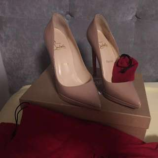 Louboutin authentic nude pumps