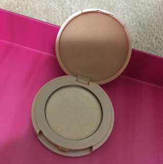 Tarte Exposed Highlighter