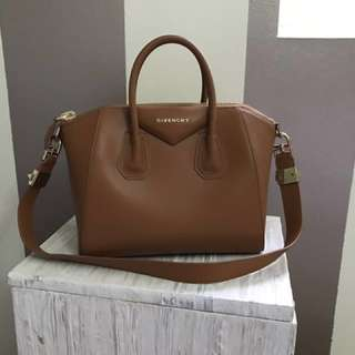 AUTHENTIC Givenchy Antigona Bag (Small)