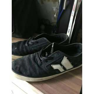Macbeth Pendleton Black/White Size 43