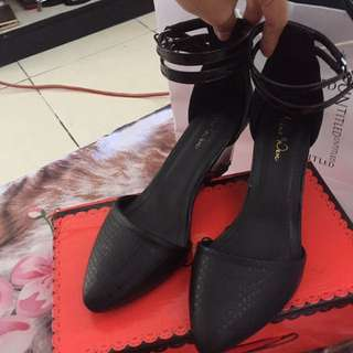 nine west weges hitam