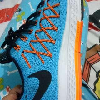 Sepatu running nike pegasus 32 size 42 like new
