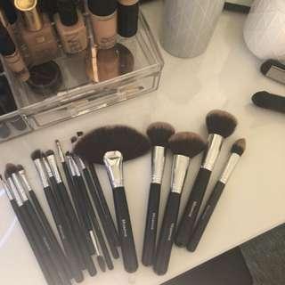 Morphe brushes plus one Anastasia eyebrow brush