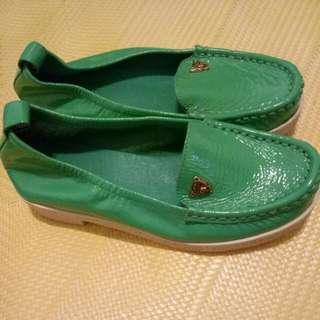 達芙妮真皮22綠色休閒鞋