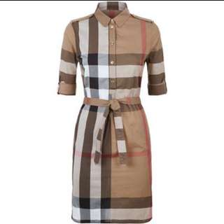 Burberry Authentic size S