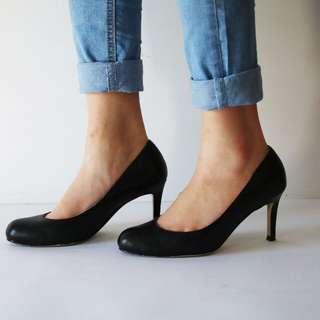 Tony Bianco Black Leather Kitten Heels Size 5.5