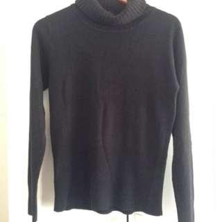 Black chunky turtle neck knit