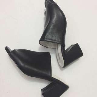 Black Block Heels / Size 36 / No Flaws