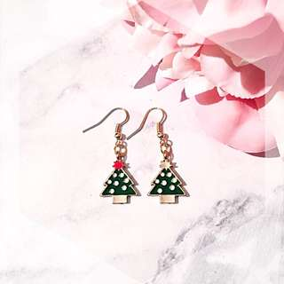 Christmas edition asymmetrical tree drop earring