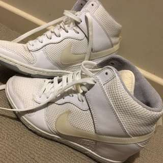 nike sky highs - size 7.5