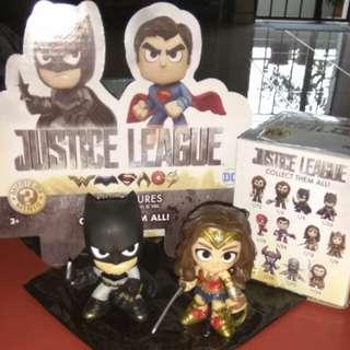 (ON HAND) Batman & Wonder Woman Justice League DC Funko Mystery Minis