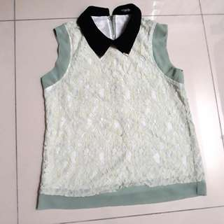 Sleeveless Collared Lace Top