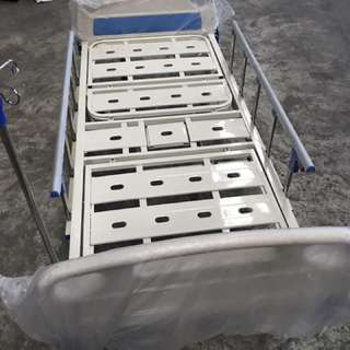 2 cranks hospital bed with hole