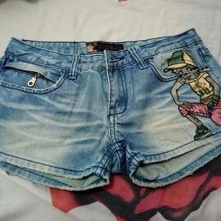 Hot pants
