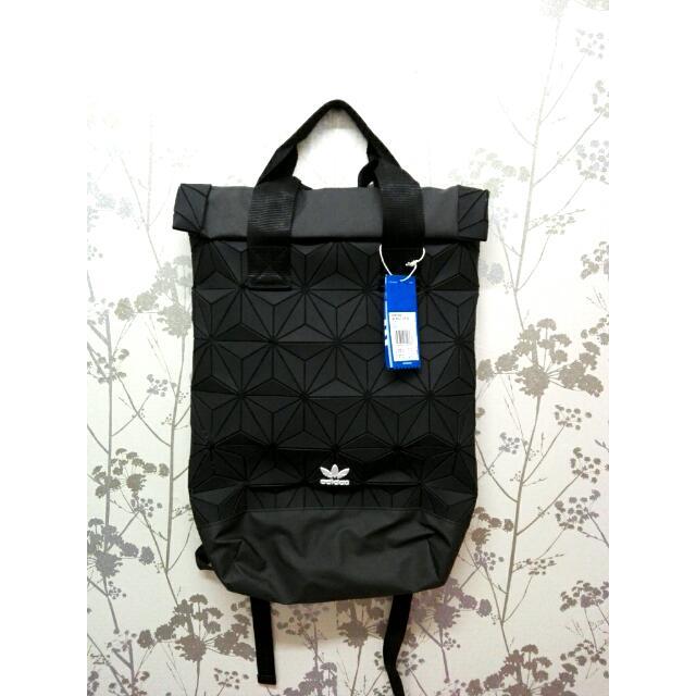 744f5c4c2b 🆕 Adidas BP Roll Top 3D Backpack