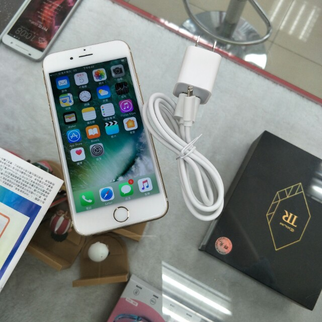 Apple iPhone 6 128g 金色
