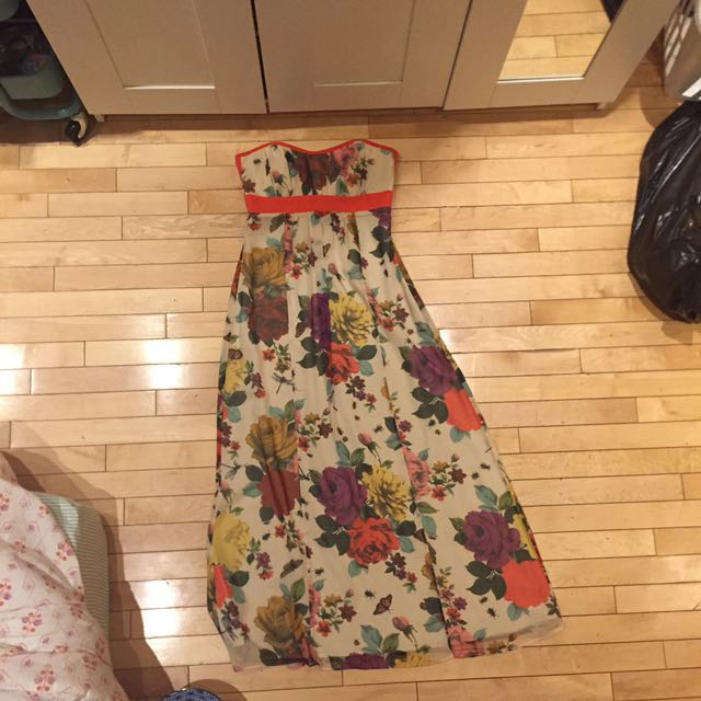BARELY WORN TED BAKER MAXI DRESS.