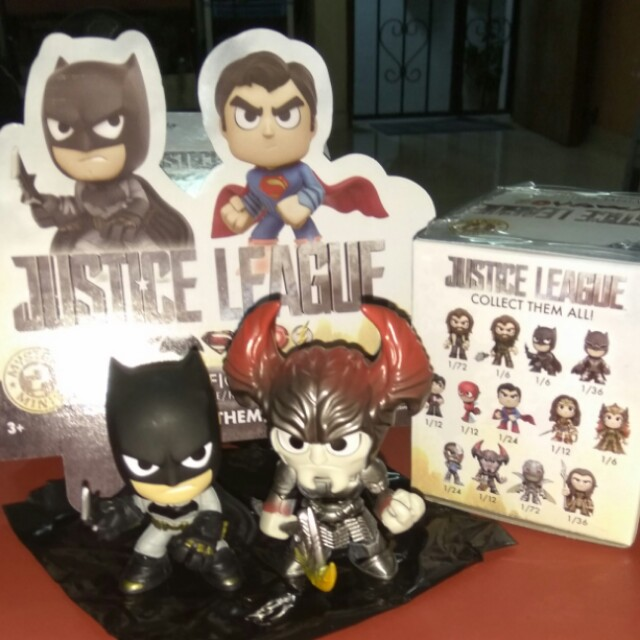 (ON HAND) Batman & Steppenwolf Justice League DC Funko Mystery Minis