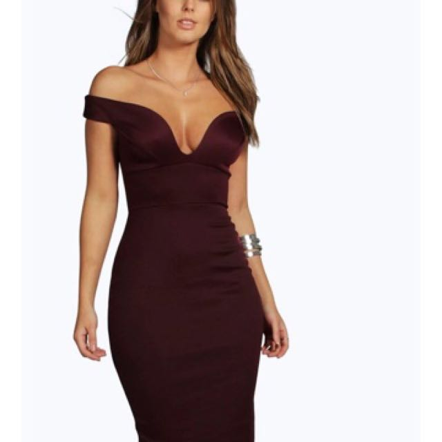 Boohoo maroon mid length dress