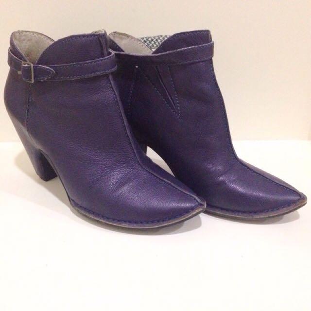 西班牙Camper正品 紫羅蘭設計款尖頭短靴 很新!