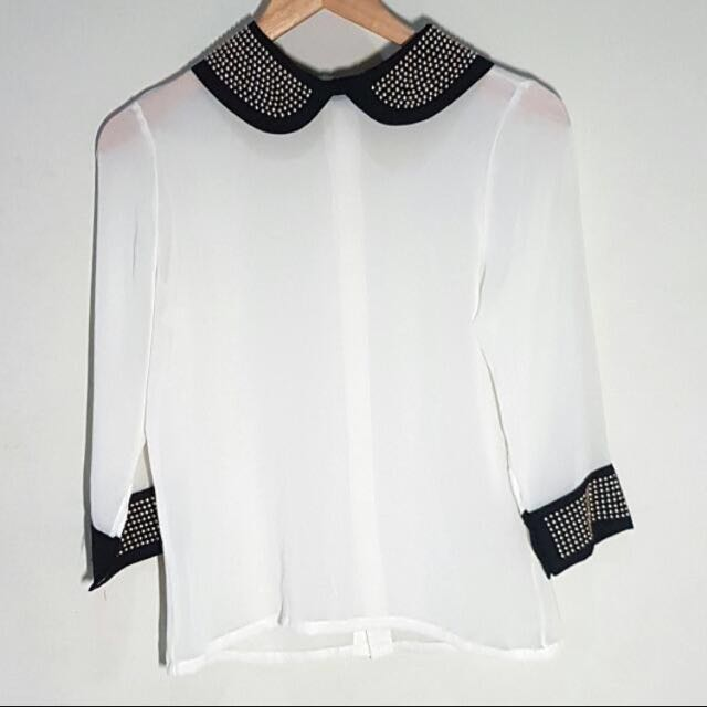 Collar studed blouse