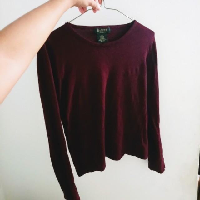 🎁 Danier burgundy sweater