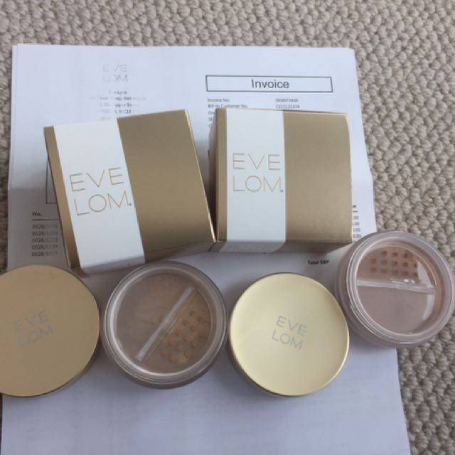 Eve Lom Powder