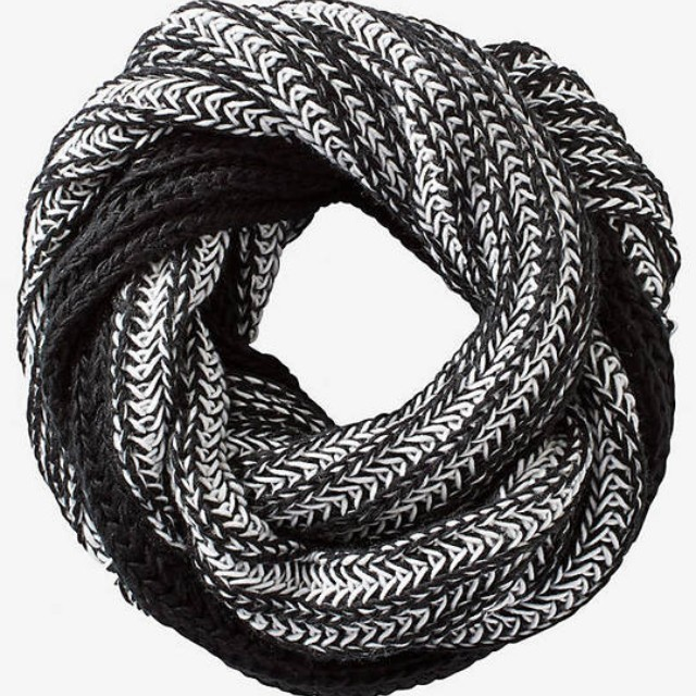 Express infinty scarf