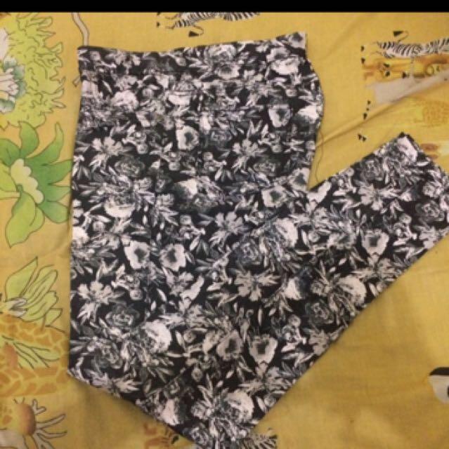 H&M HnM celana jeans motif