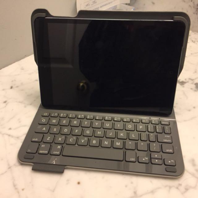 iPad mini 2 with keyboard
