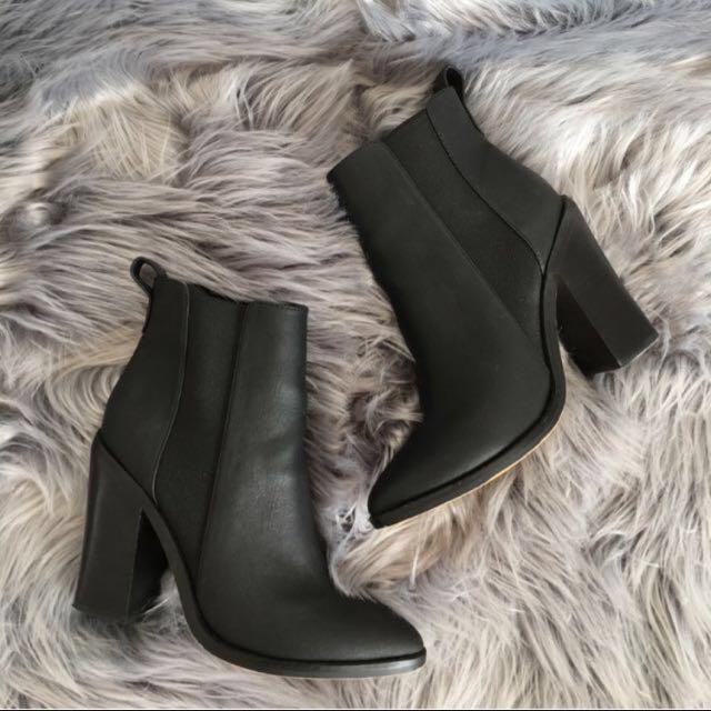 Lipstik Marvelz Boots size 6.5