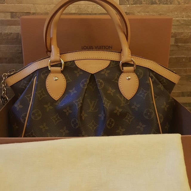 Louis Vuitton Tivoli MM with box