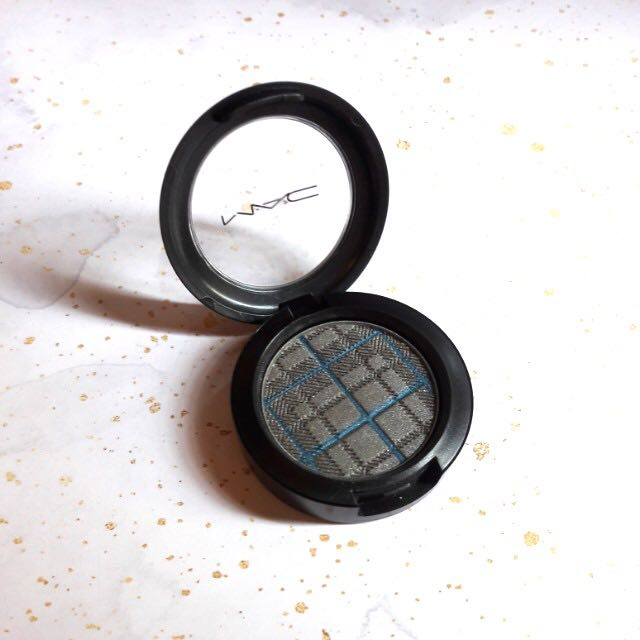 MAC Glamora Castle eyeshadow (rare!)