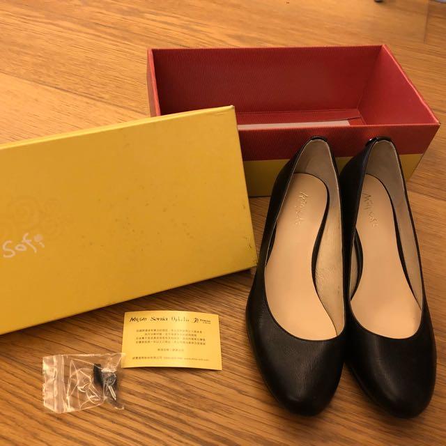 ✨穿過一次✨Misssofi黑色低跟鞋