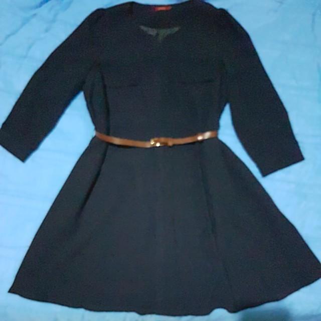 MOMA深藍色洋裝